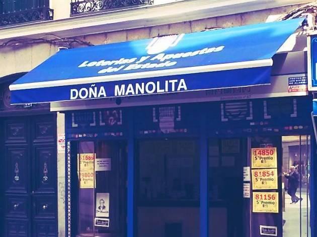 Probar suerte con la lotería en Doña Manolita