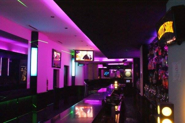 weekend karaoke bar