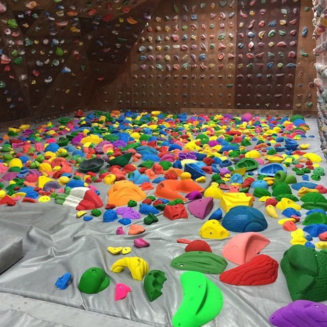 Show just how daring you can get and head to a rock climbing gym to test your brains and your brawn. Ja's Climbing Gym in Sinsa-dong is English-friendly and state-of-the-art (open weekdays 11am–11pm, Sat– Sun 11am–10pm).