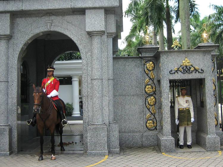 Walk through the strict corridors of Istana Negara