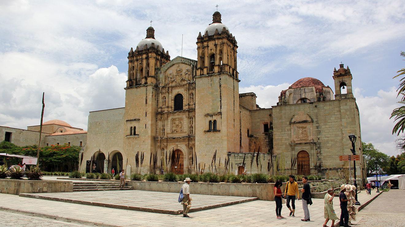 Templo de Santo Domingo de Guzmán en el centro de Oaxaca