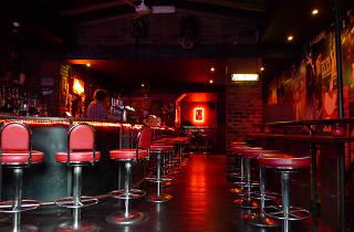 late-night bars in London - Slim Jim's Liquor Store