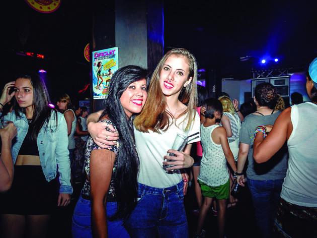 Lligar a Barcelona: noia busca noia