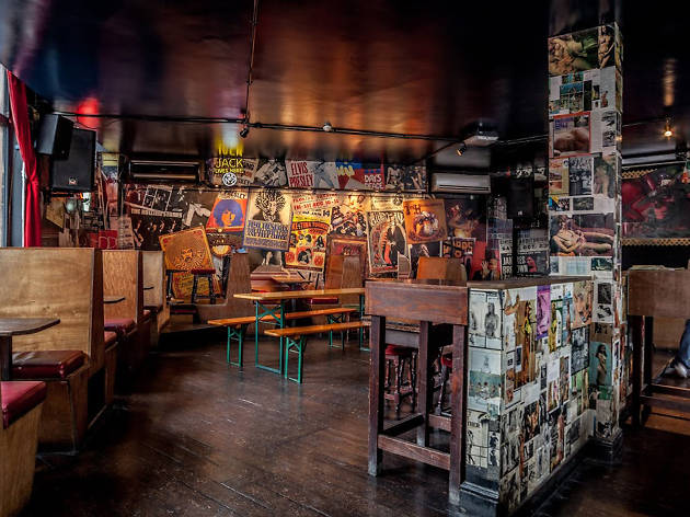 Late-night bars in London - Aces and Eights