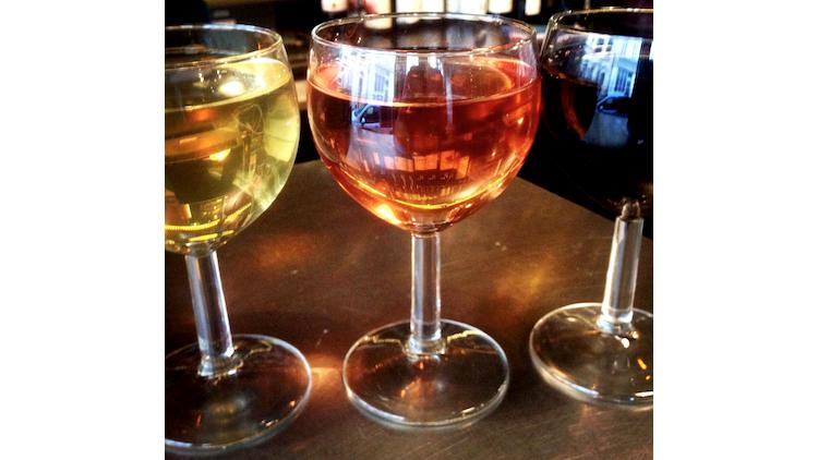 Bar à vins et bonne franquette • Le Tout-Monde