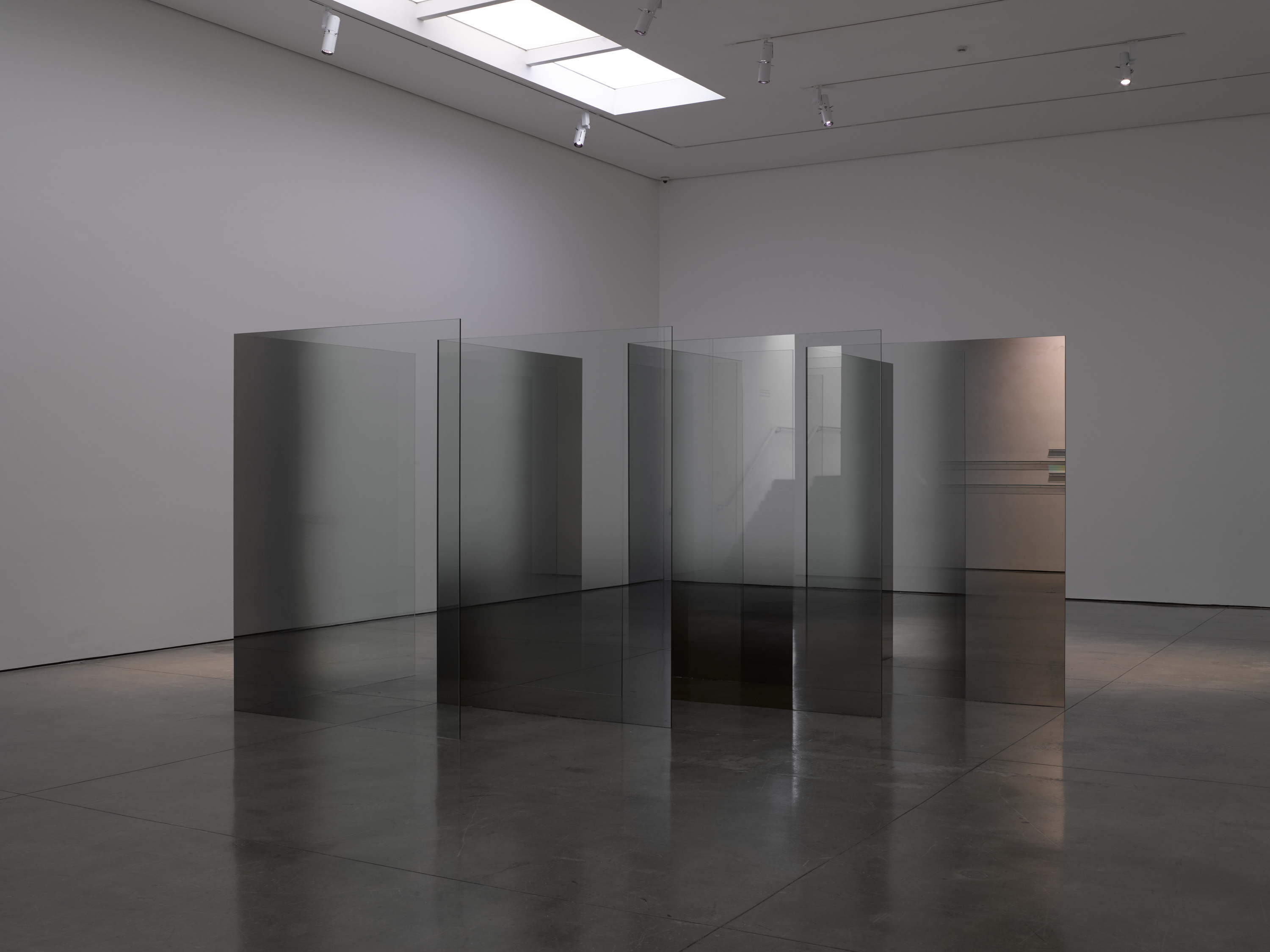 (Larry Bell: '2D-3D: Glass & Vapor'. © Larry Bell. Photo © White Cube (George Darrell))