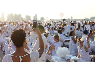 21 stunning photos from Dîner en Blanc that will give you major FOMO