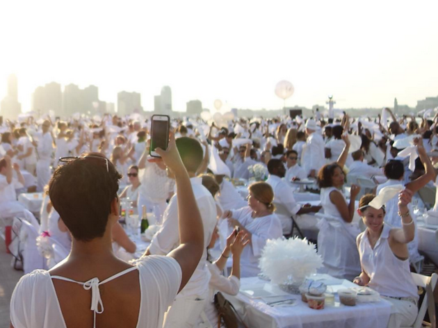 21 stunning photos from Dîner en Blanc