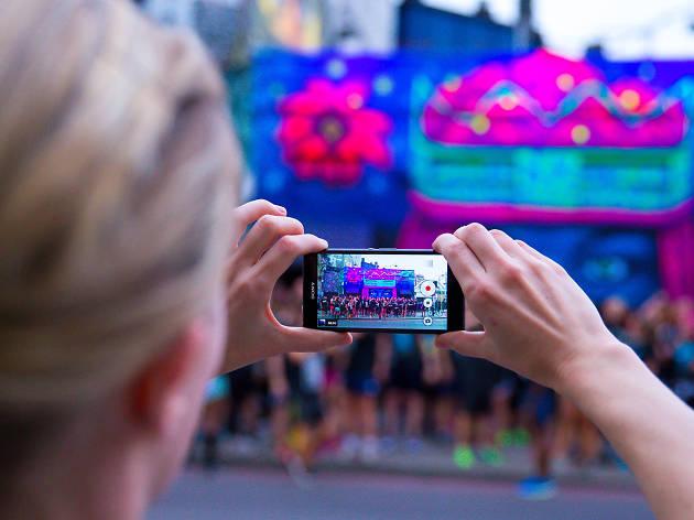 Sony Xperia illuminated graffiti