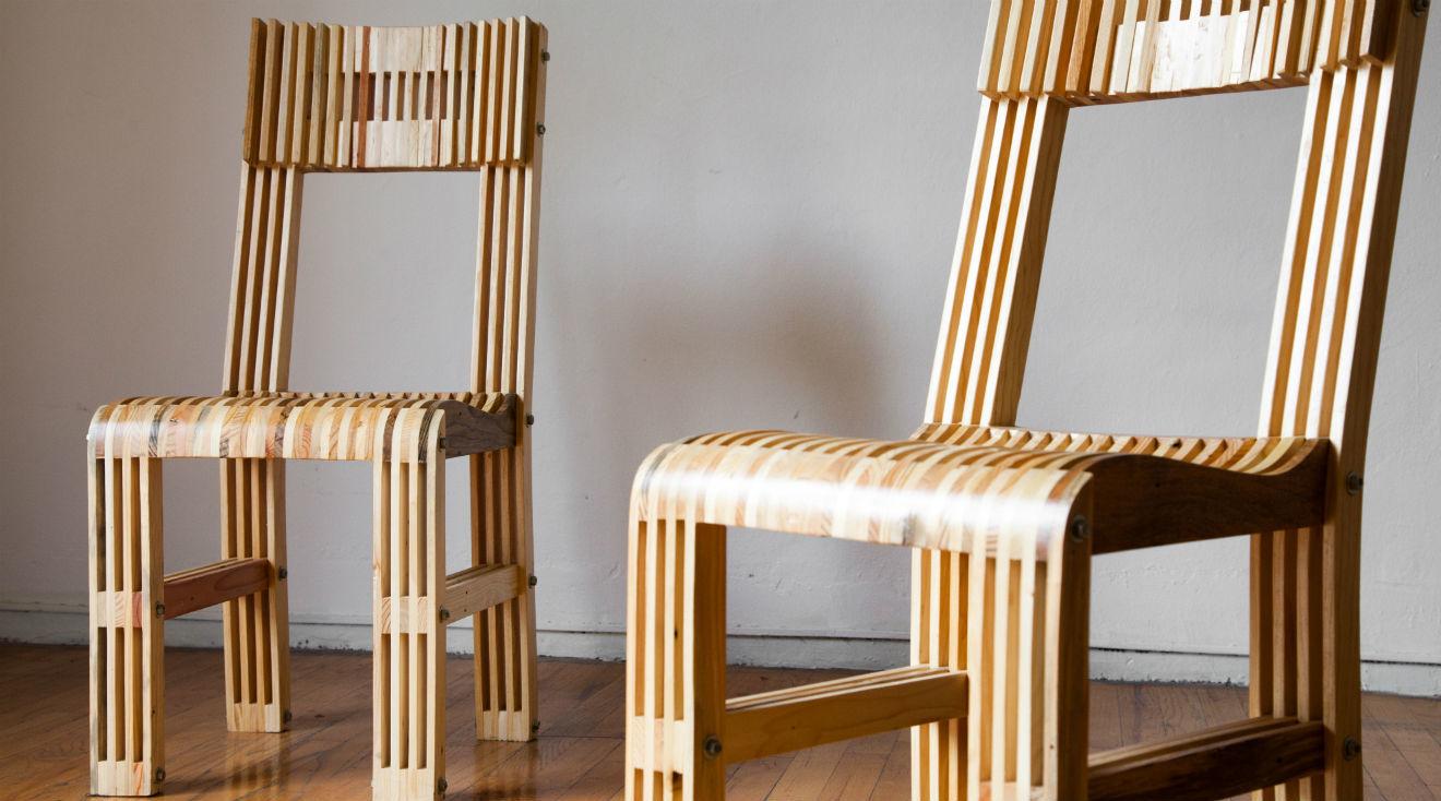 Dos sillas de EYC Muebles sustentables.