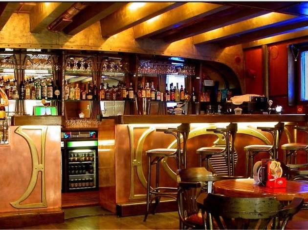 22 000 Milja Pod Morem Bars And Pubs In Zagreb Zagreb