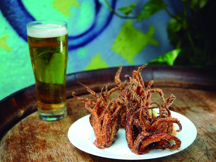 Barcelona bars with free tapas