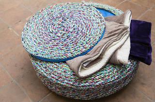 Un puf de ayok design, marca mexicana de upcycling.