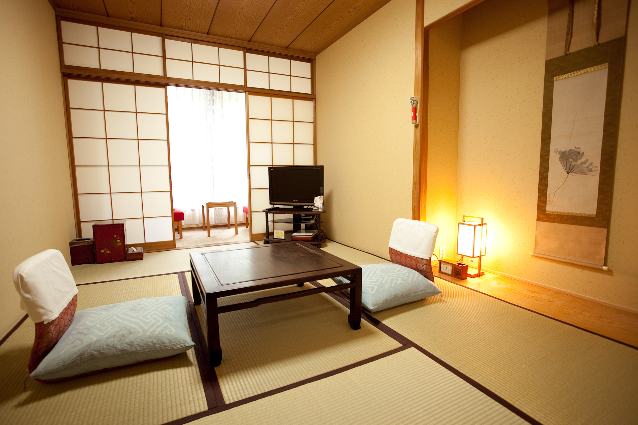 The best ryokan tokyo guest houses time out tokyo for Design hotel tokyo