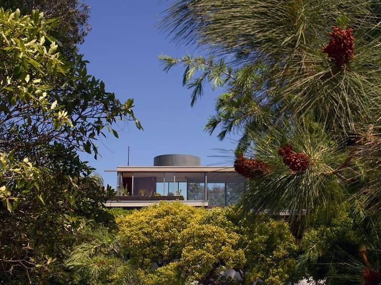 Explore the Neutra VDL Research House