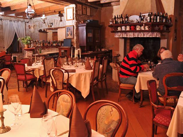 gina, restaurants, pula, istria,croatia