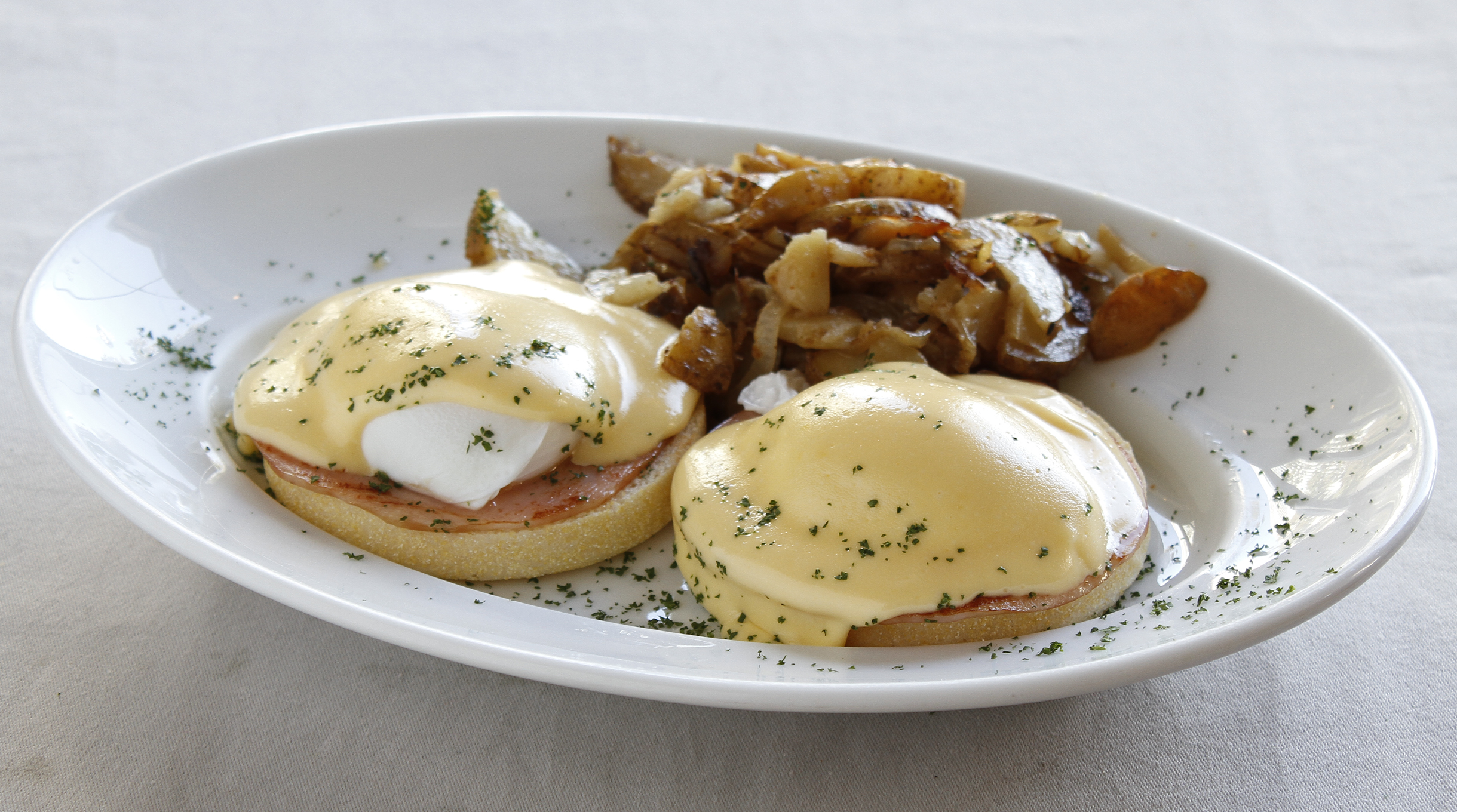 Eggs Benedict at Bubby's | Time Out Tokyo