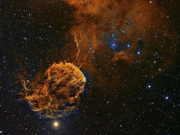 (IC443 © Patrick Gilliland)