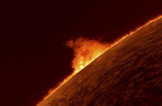 (Solar Prominence © Gary Palmer)