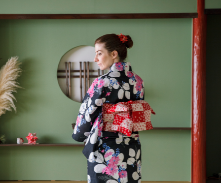 How to tie a yukata, step 5