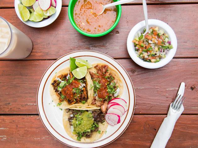 Cabeza tacos at Taqueria El Mezquite