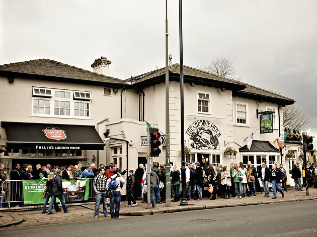 Rugby pubs in London, The Cabbage Patch in Twickenham