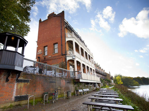 Ye White Hart Bars And Pubs In Barnes London