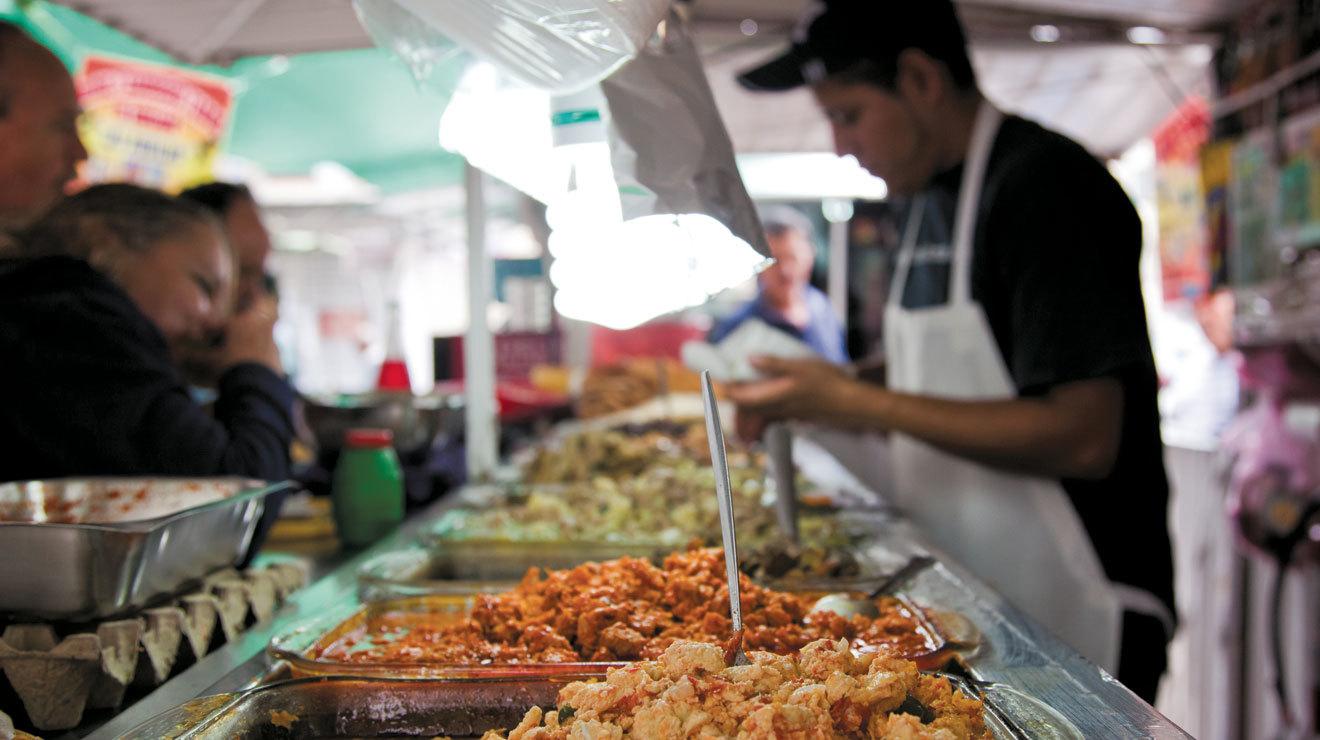 Cinco mercados para vivir la cocina mexicana