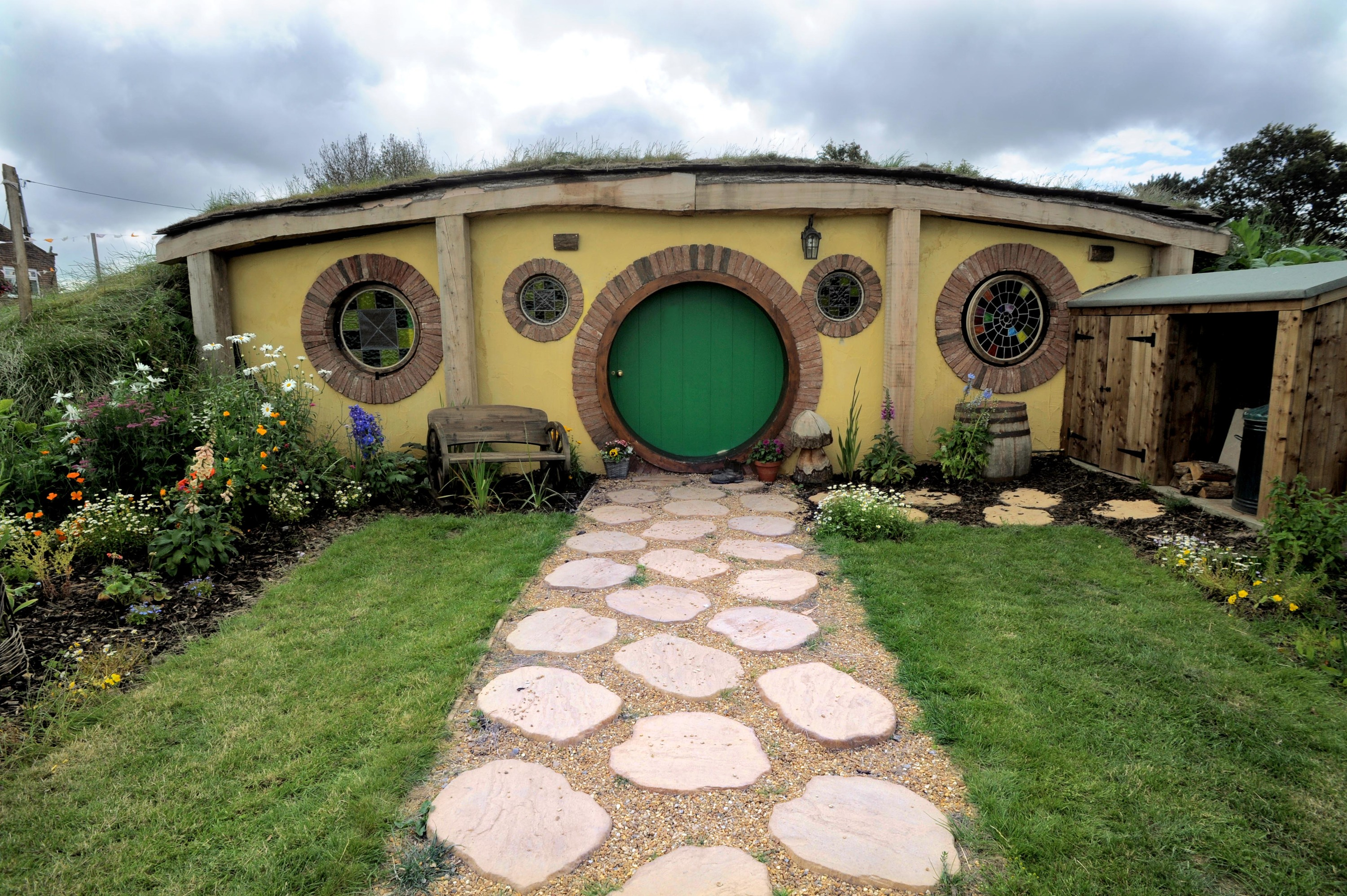 hobbit holiday home brings the shire to yorkshire. Black Bedroom Furniture Sets. Home Design Ideas