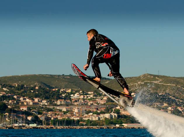 Volar sobre el agua