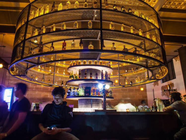 Ciudad con grandes bares