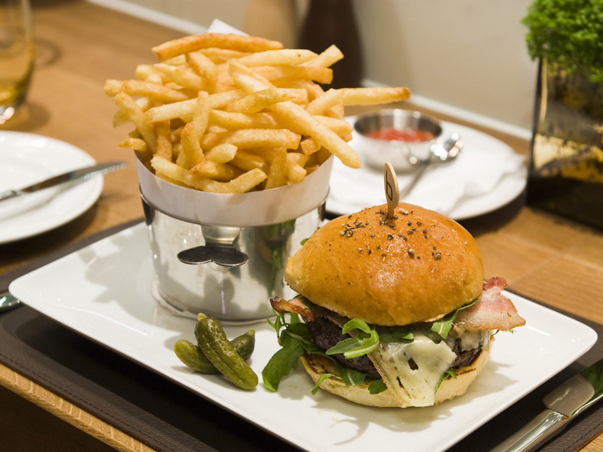 London's best burger, Bar Boulud