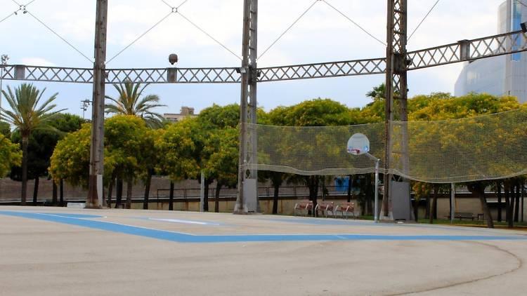 Parc de la Barceloneta Pista de bàsquet