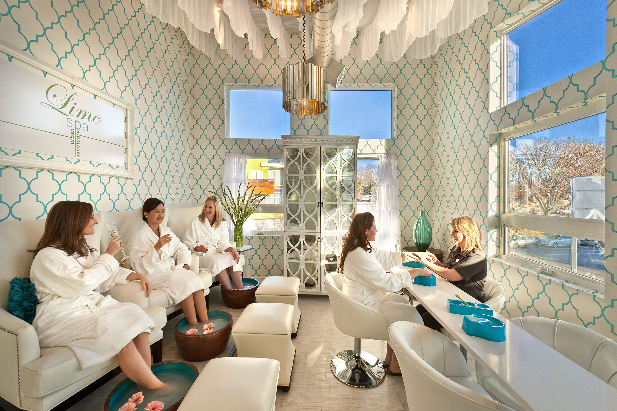 Best day spas and spa resorts in america for A little luxury beauty salon