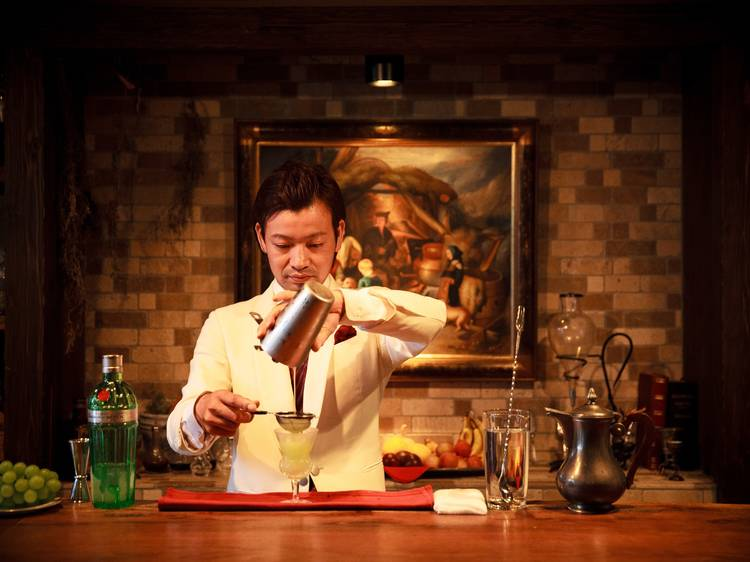 Trust your bartender with an omakase cocktail at Bar Benfiddich