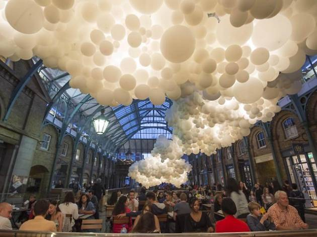 In 'stagrams: the enormous balloon installation in Covent Garden
