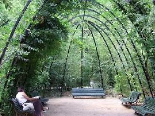 Jardins del palau de pedralbes for Casa con jardin barcelona