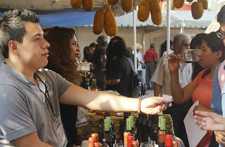 Festival vino y exquiciteces