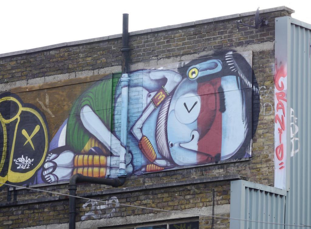 Cranio street art  © Claude Crommelin