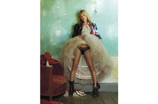 (Kate Moss by Mario Testino. © Vogue)
