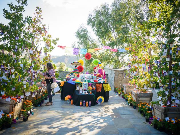 Día de los Muertos Cultural Festival at Rose Hills
