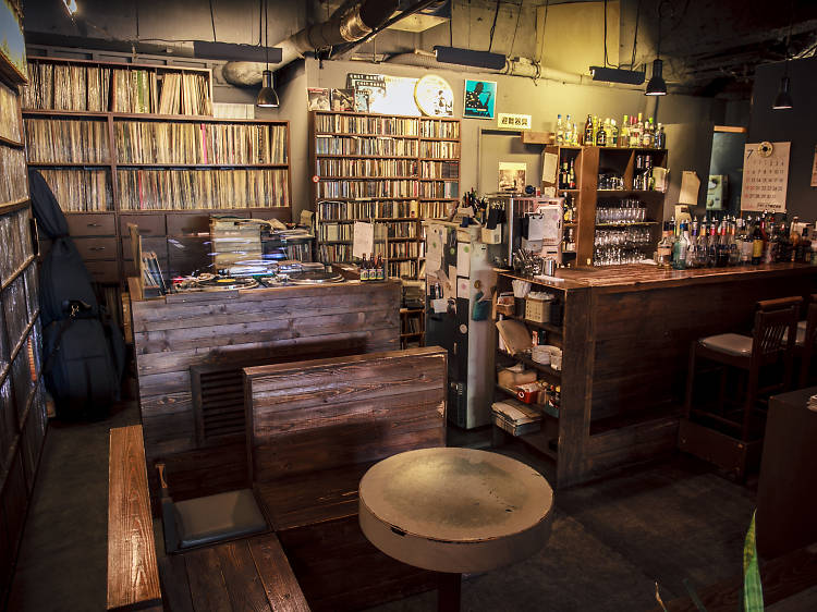 Browse 9,000 records over lunch