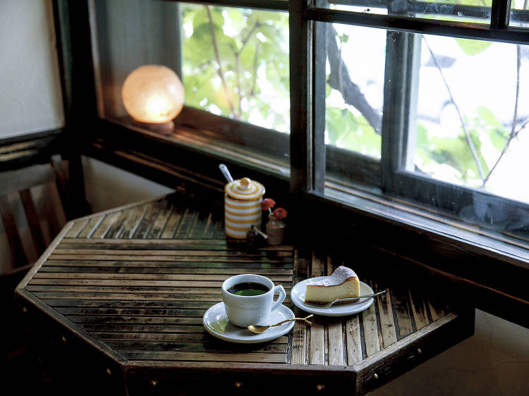 Sip artisanal Joe in a traditional home
