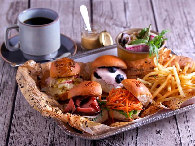 PEANUTS Cafe