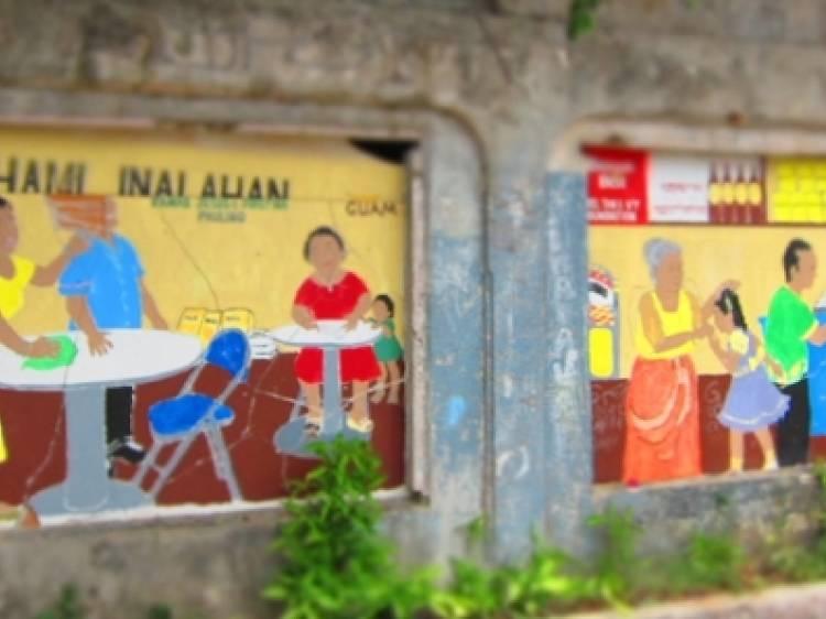 7. 壁画に彩られる村がある