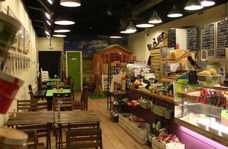 Plumtree Café
