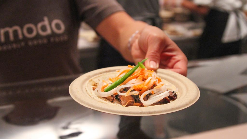 Bahn mi chicken tacos from Komodo at The Taste 2015