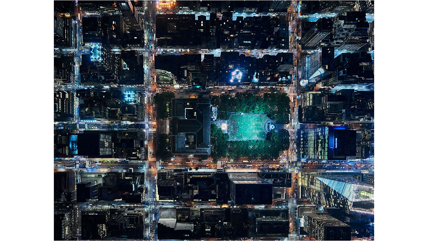 See breathtaking nighttime aerial photos of NYC