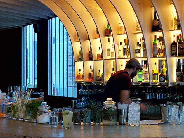 Gravity bar (© ER/Time Out Paris)