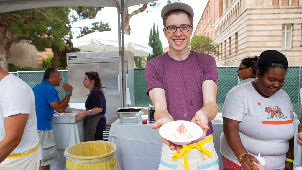 Tyler Malek from Salt & Straw at L.A. Loves Alex's Lemonade 2015